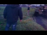 Родинское. Местные жители остановили танк с Укр малолетками ехавшими на Славянск 14.04.2014